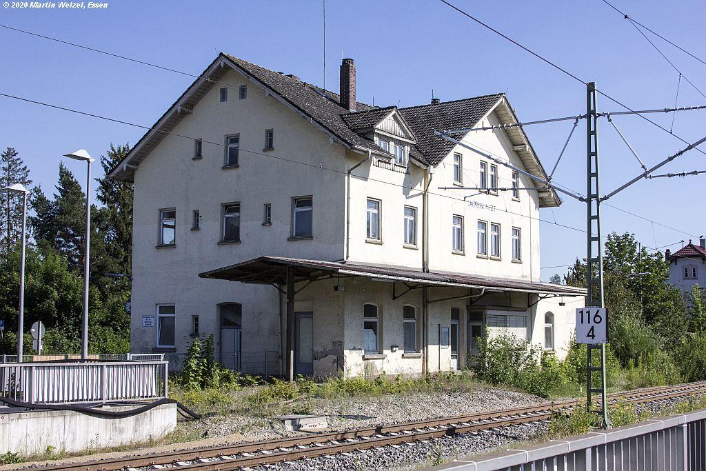 http://eisenbahnhobby.de/Sueddt/Z31843_Bahnhof_Laupheim-West_2020-06-24.jpg