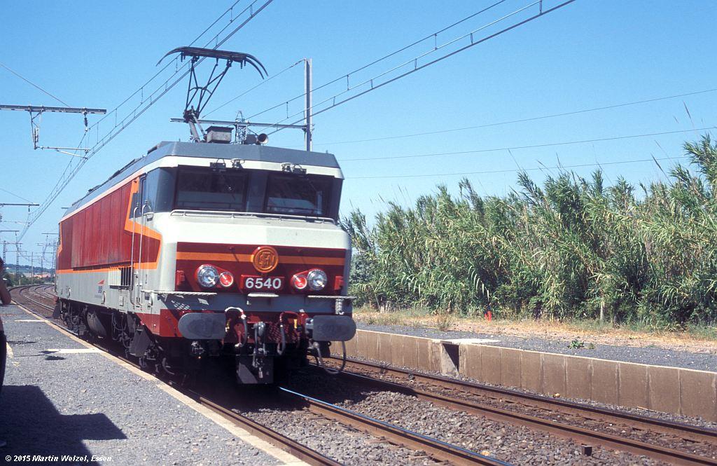 http://eisenbahnhobby.de/sncf/326-2_CC6540_Marseillan-Plage_10-7-98_S.jpg